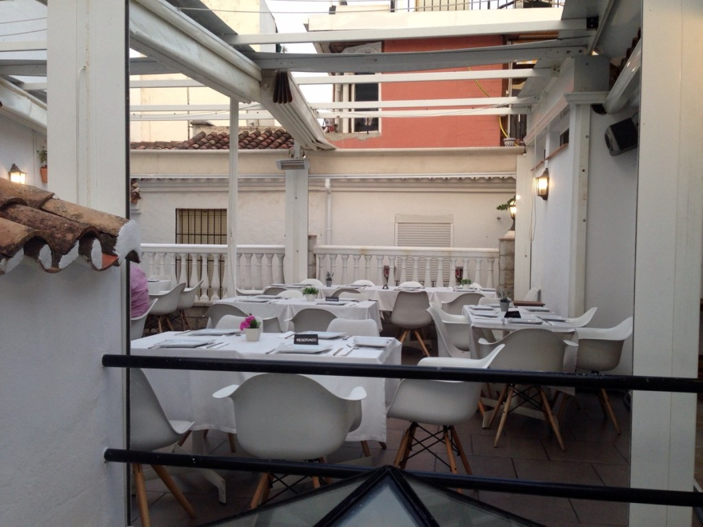 Conmpasión terraza en segundo piso