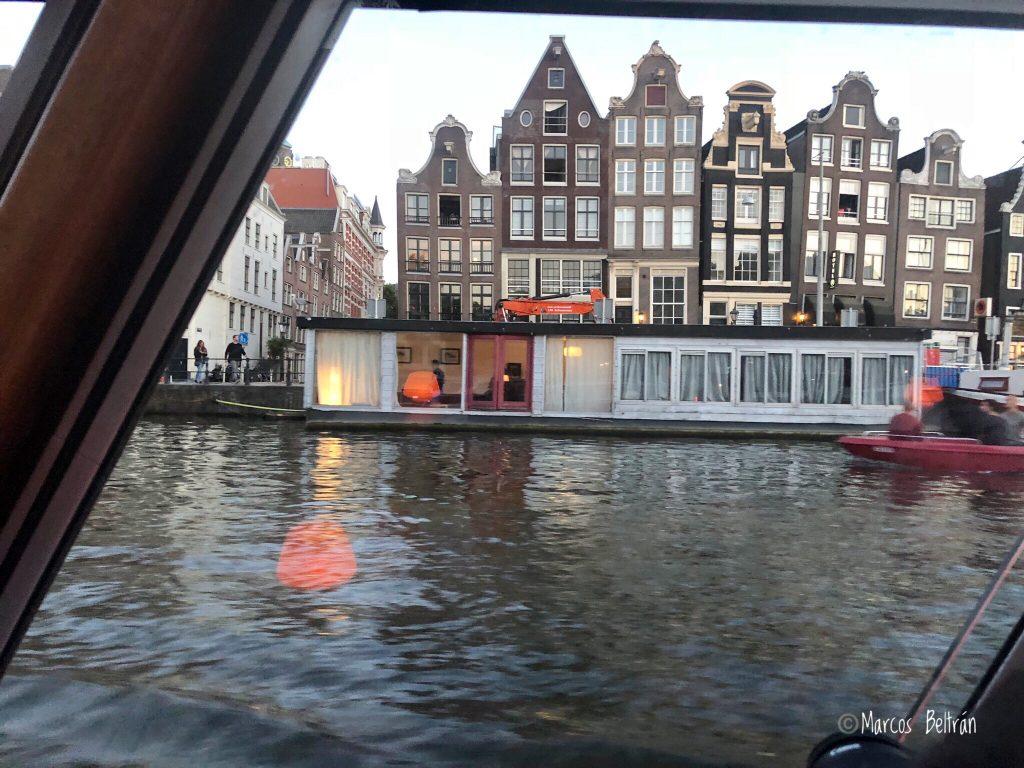 Holanda, destino ideal para viajar con niños. Casas flotantes
